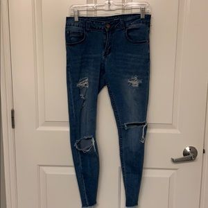 Light Wash Ripped Low Rise Stretch Ankle Jeans